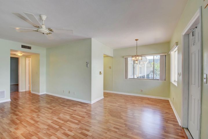 3120 Lake Osborne Drive 211, Lake Worth, FL 33461