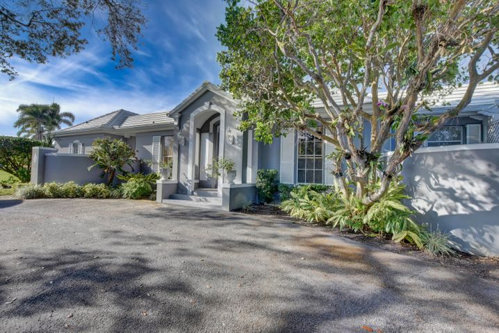 13 Country Road S, Village of Golf, FL 33436