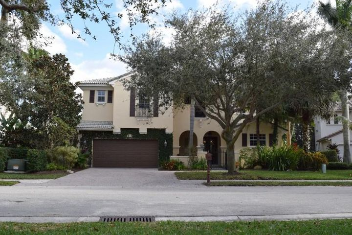912 Millcreek Drive, Palm Beach Gardens, FL 33410