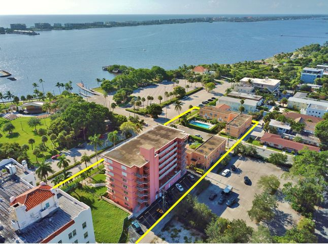 101 S Golfview Road 11, Lake Worth, FL 33460