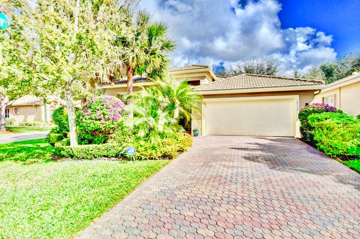 10550 Silverton Lane, Boynton Beach, FL 33437