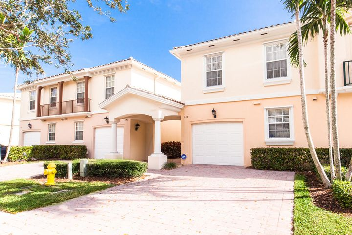 138 Santa Barbara Way, Palm Beach Gardens, FL 33410