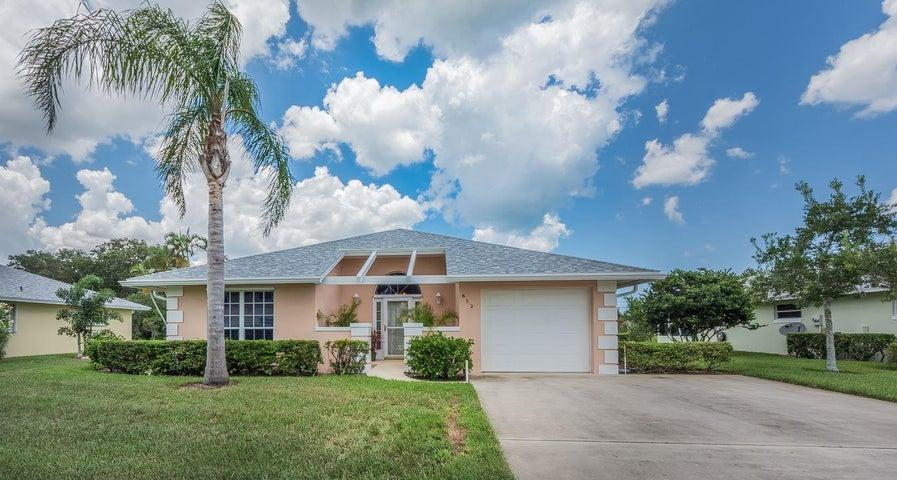 652 Lake Orchid Circle, Vero Beach, FL 32962