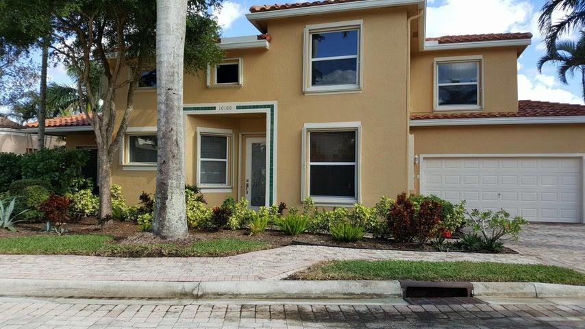 10100 Larkspur Lane, West Palm Beach, FL 33412