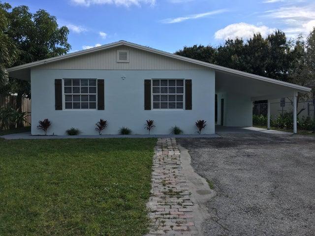 902 Cheyenne Street, Jupiter, FL 33458
