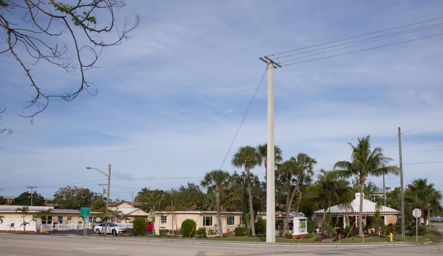 138 S Dixie Highway, Lantana, FL 33462