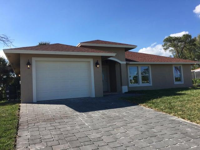 1711 W Breezy Ln, West Palm Beach, FL 33417
