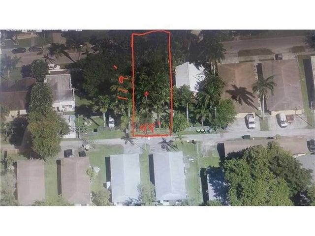 228 SE Park Street, Dania Beach, FL 33004
