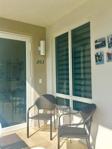 10245 NW 63rd Terrace 203, Doral, FL 33178