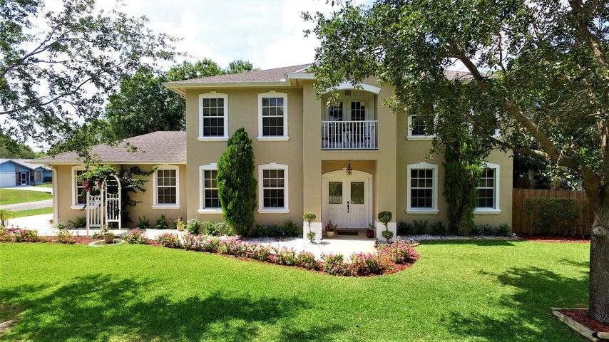 2302 SW Sala Street, Port Saint Lucie, FL 34953