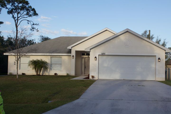 1695 SW Angelico Lane, Port Saint Lucie, FL 34953