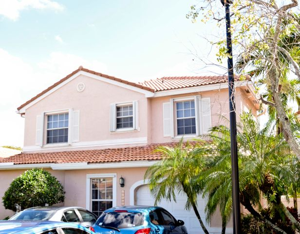 10898 NW 46th Dr, Coral Springs, FL 33076