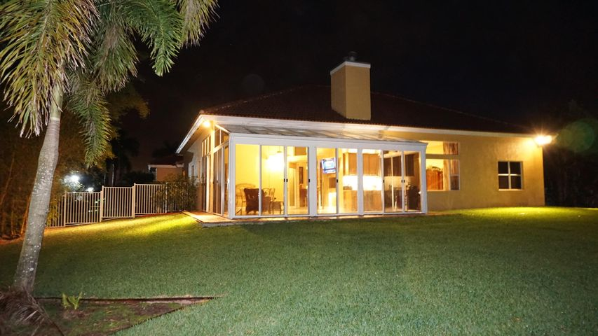 655 SW Squire Johns Lane, Palm City, FL 34990