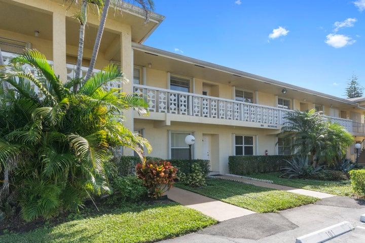 1560 NW 18th Avenue 202, Delray Beach, FL 33445