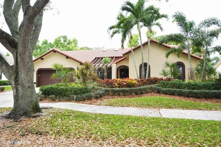 3915 NW 27th Avenue, Boca Raton, FL 33434