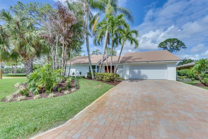 6439 Woodthrush Court, Palm Beach Gardens, FL 33418
