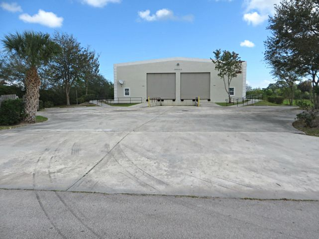 7370 Commercial Circle, Fort Pierce, FL 34951
