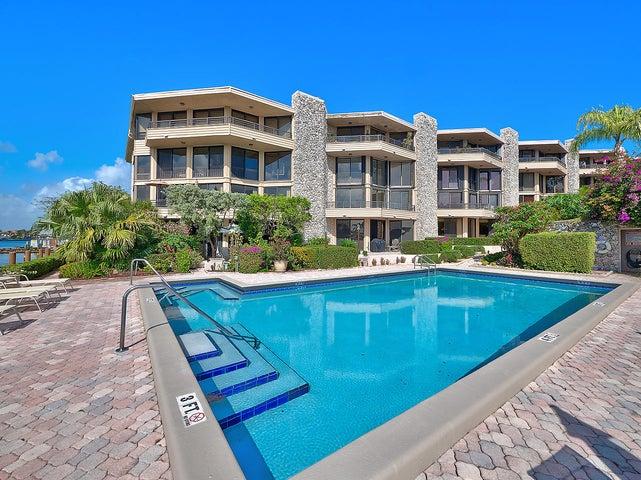1170 Hillsboro Mile 104, Hillsboro Beach, FL 33062