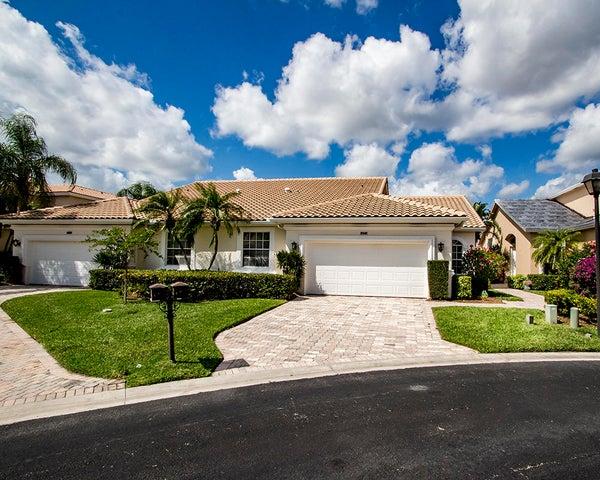 8141 Sandpiper Way, West Palm Beach, FL 33412