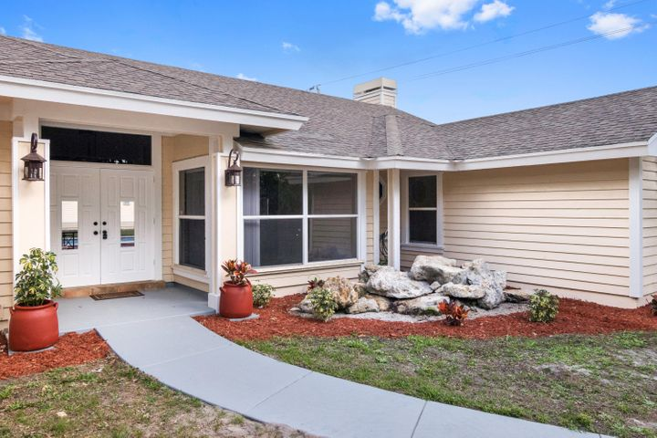 18044 126th Terrace N, Jupiter, FL 33478