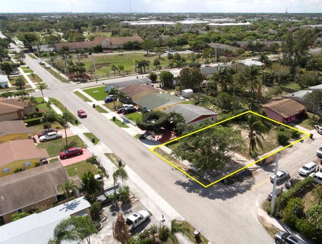 332 SW 8th Avenue, Delray Beach, FL 33444