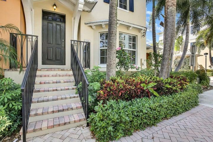 349 E Mallory Circle, Delray Beach, FL 33483