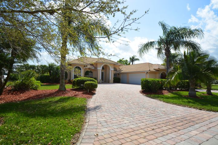 9521 Laurelwood Court, Fort Pierce, FL 34951