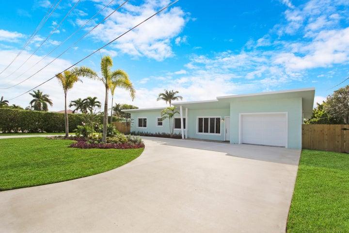 7003 Pine Tree Lane, Lake Clarke Shores, FL 33406