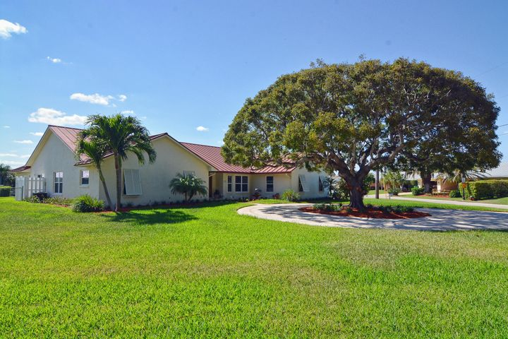 1261 Gulfstream Way, Riviera Beach, FL 33404