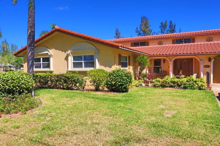 5540 NW 76th Place, Coconut Creek, FL 33073