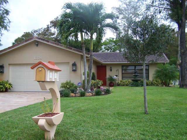 1328 NW 87th Avenue, Coral Springs, FL 33071