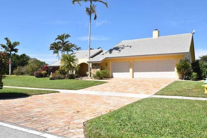 2599 Lakes Drive, Deerfield Beach, FL 33442