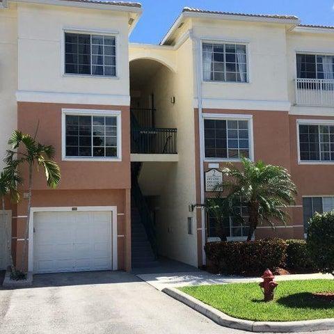 2208 Myrtlewood Circle E, Palm Beach Gardens, FL 33418