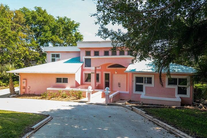 1419 NE Oak Bluff Lane, Jensen Beach, FL 34957