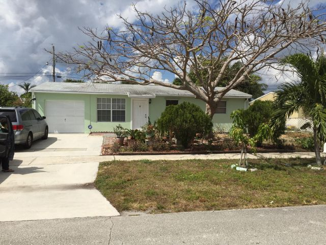 9357 Bloomfield Drive, Palm Beach Gardens, FL 33410