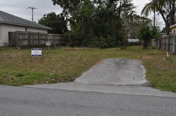 3955 Edwards Avenue, Lake Worth, FL 33461