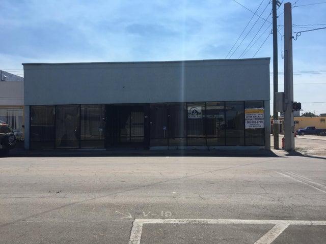 172 W Avenue A, Belle Glade, FL 33430