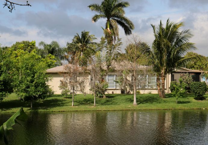 755 SW 50 Terrace, Margate, FL 33068