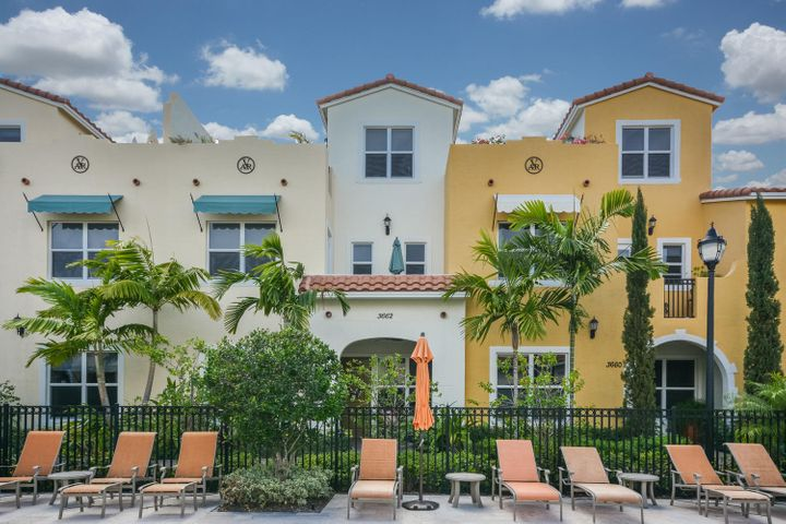 3662 Voaro Way, West Palm Beach, FL 33405