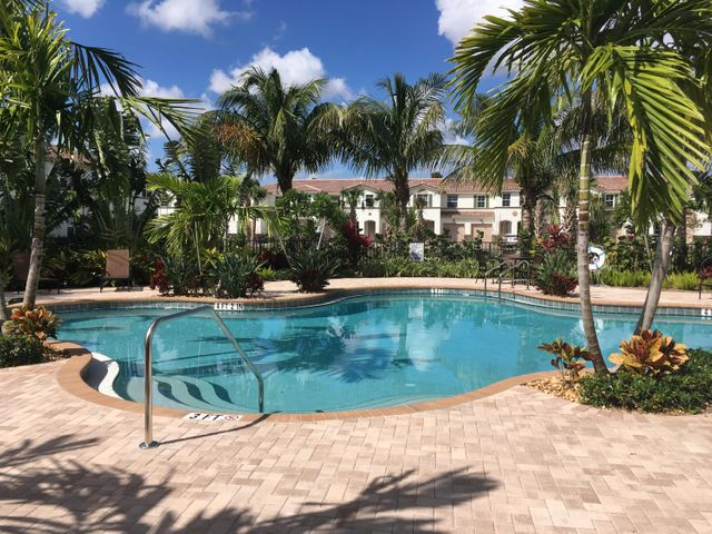4567 Tara Cove Way, West Palm Beach, FL 33417