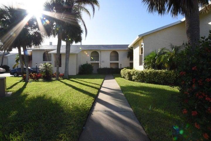 1815 Robalo Drive 202, Vero Beach, FL 32960