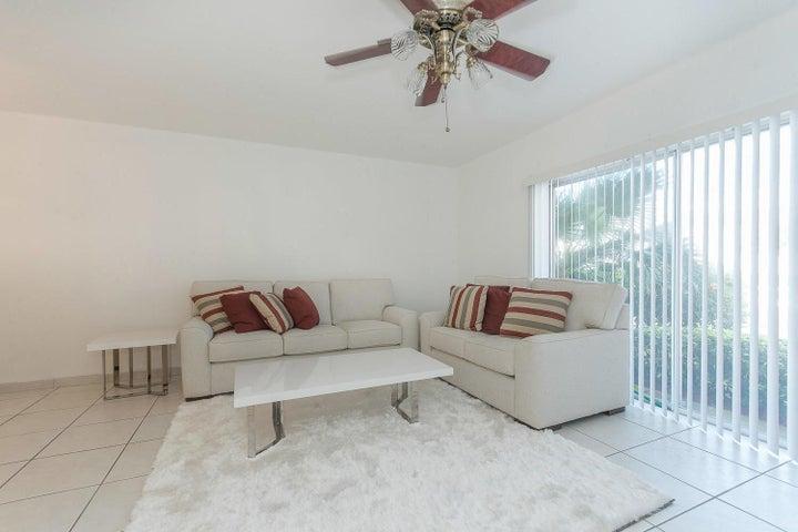 4501 S Ocean Boulevard B2, South Palm Beach, FL 33480