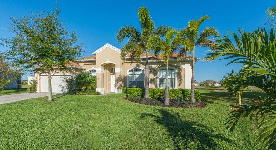 649 Tangelo Circle SW, Vero Beach, FL 32968