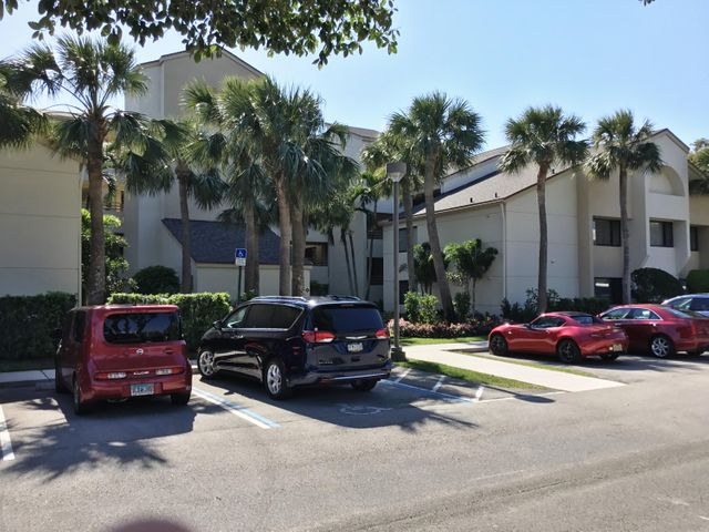 328 Oak Harbour Drive 328, Juno Beach, FL 33408