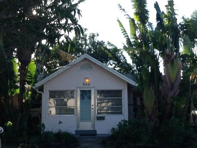 431 N Lakeside Drive, Lake Worth, FL 33460