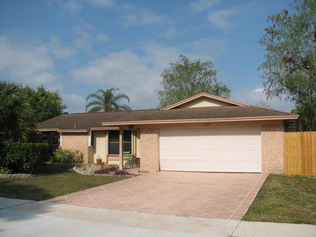 107 Cambridge Lane, Royal Palm Beach, FL 33411