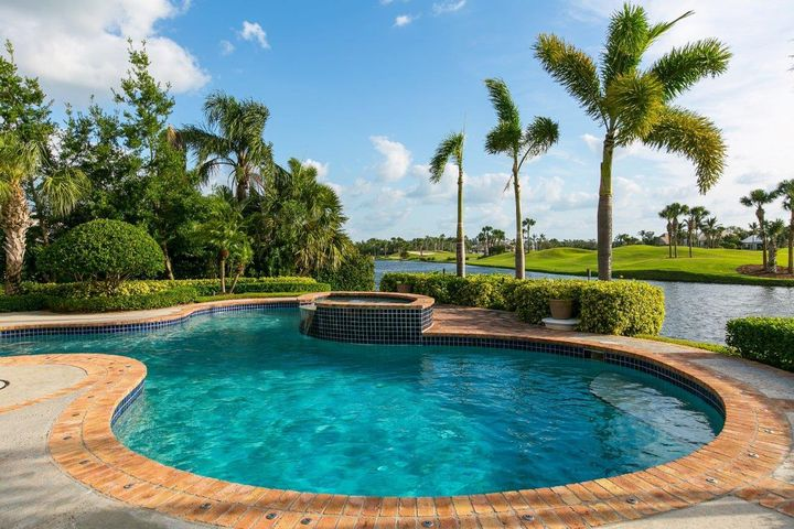 400 Indies Drive, Vero Beach, FL 32963