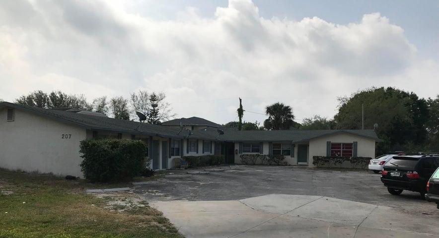 207 Southland, Fort Pierce, FL 34982