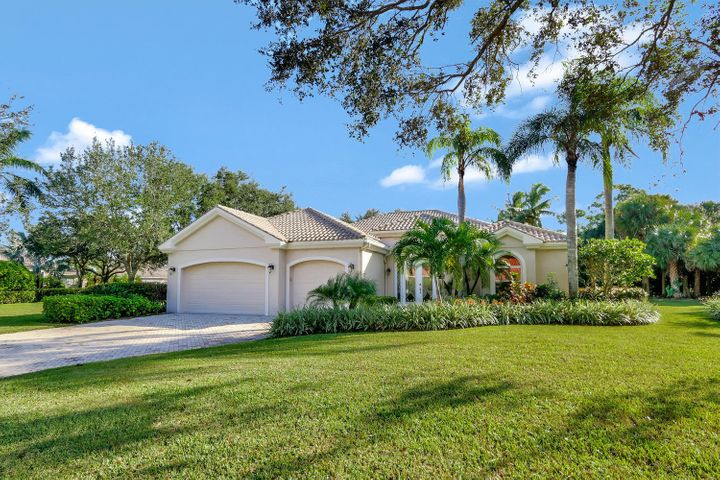 1193 Breakers West Boulevard, West Palm Beach, FL 33411