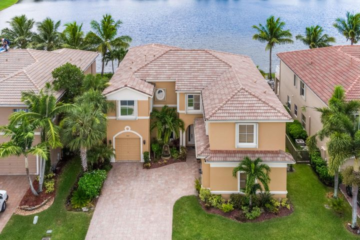 1300 Beacon Circle, Wellington, FL 33414